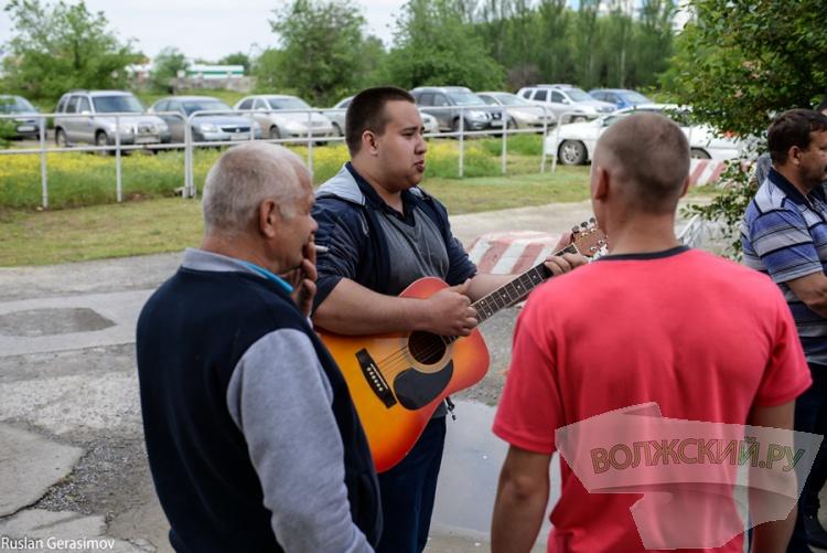 Волжане проводили призывников Президентского полка