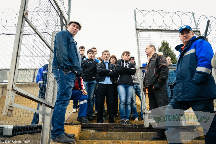 Волжские водолазы погрузились в Волгу по просьбе детского дома
