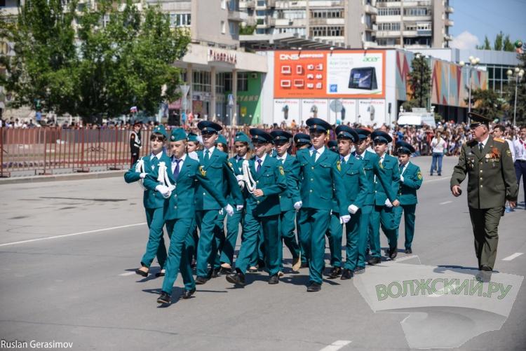 Волжский отмечает День Победы. Большой фотоотчет