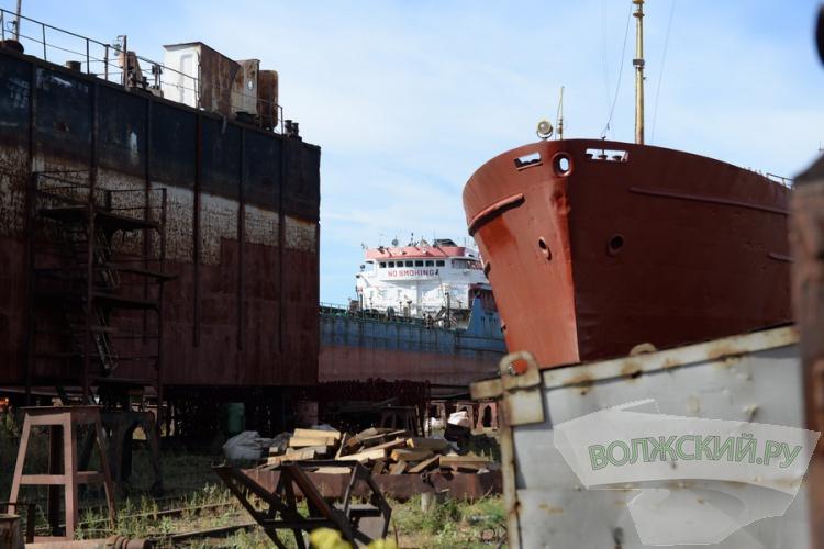 Волжский судоремонтный завод представил новый катер для Минобороны