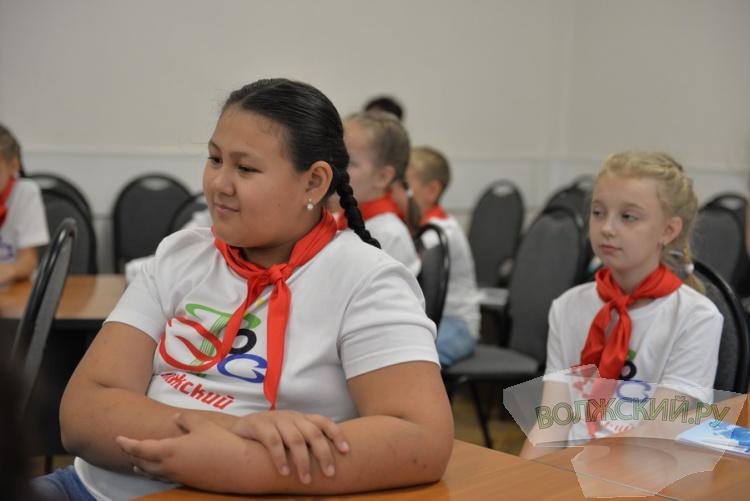 Юных волжан проводили на Олимпиаду хоров