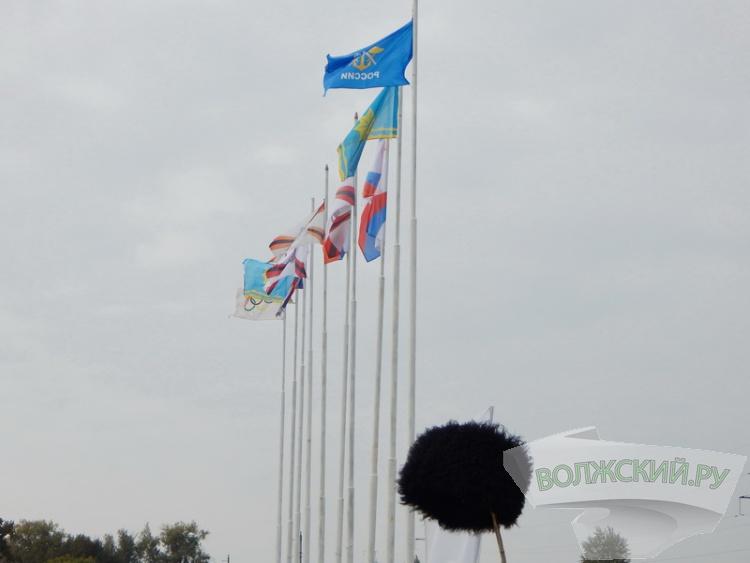 На «Сталинградских скачках» встретились английские «чистокровки» и ростовские «будденовки»