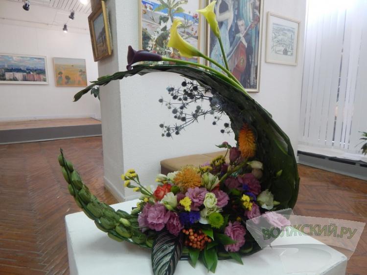 «Анютины глазки» – в центре выставки «Цветочный вернисаж»