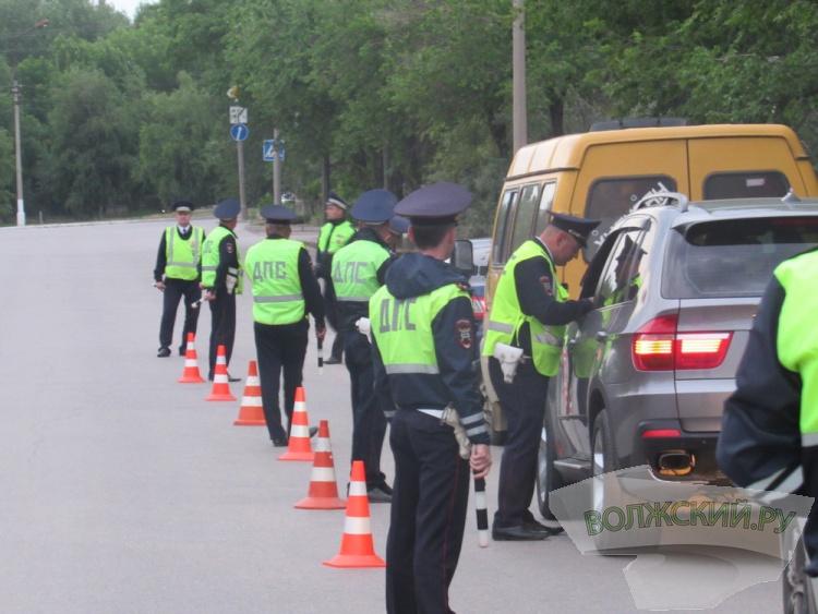Автовладельцы Волжского много пили в выходные