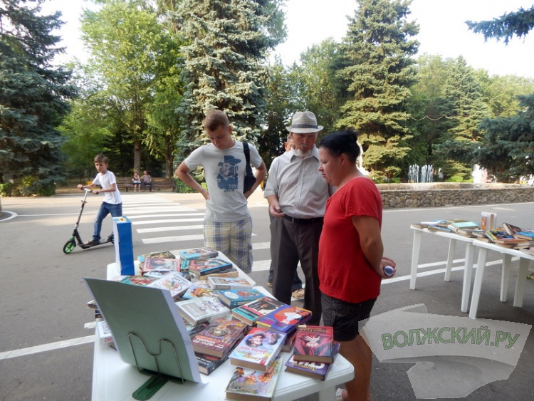 Библиотеки поздравили волжан с Днем города