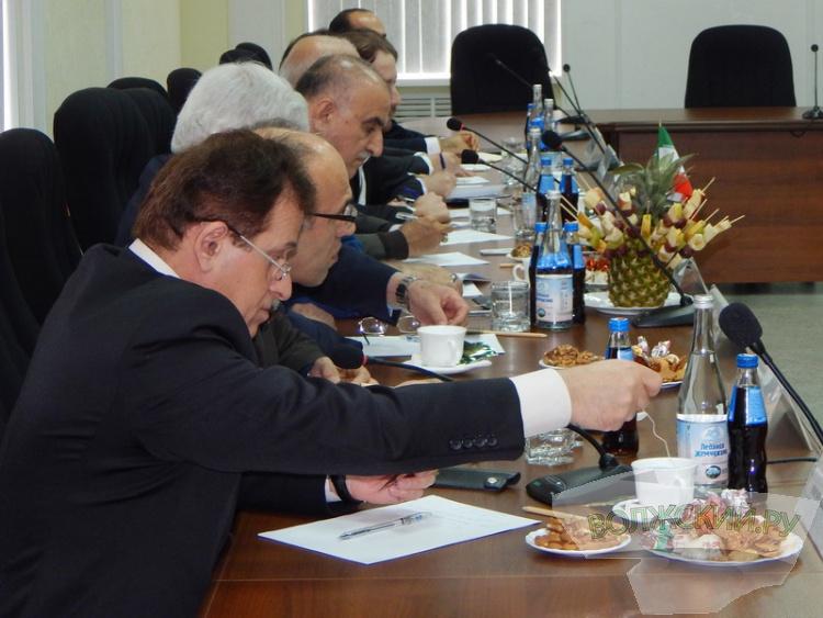 Биотехнологии, чай и комбикорм: иранцы посетили Волжский с ответным визитом