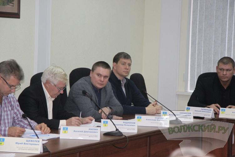 Депутаты от «Единой России» продавили «коттеджный посёлок»