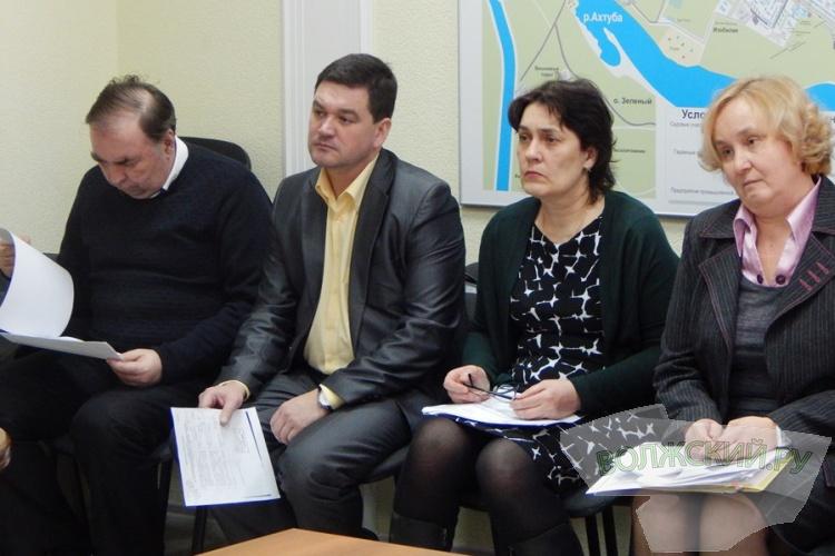 Депутаты снова взывают к области о помощи с отловом собак