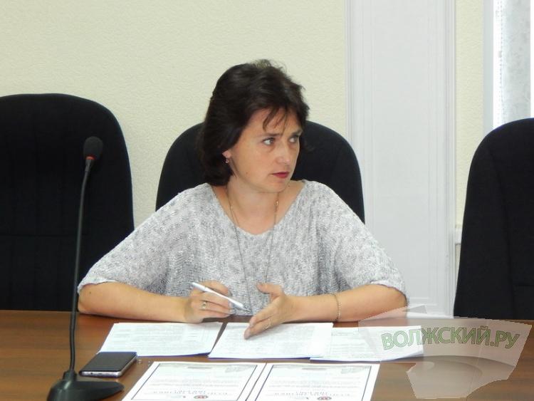 В Волжском обсудили дополнительные «поборы» в школах