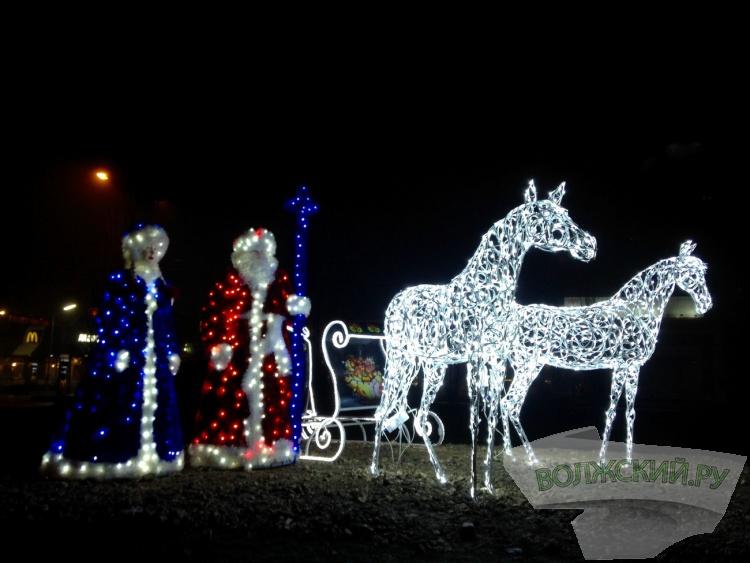 К Новому году Волжский превращают в сказочный город