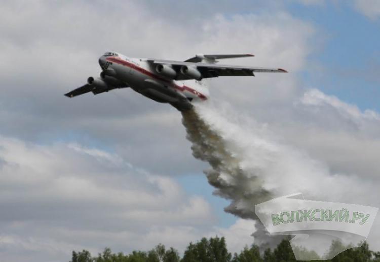 Крупный ландшафтный пожар в Михайловском районе тушит авиация МЧС