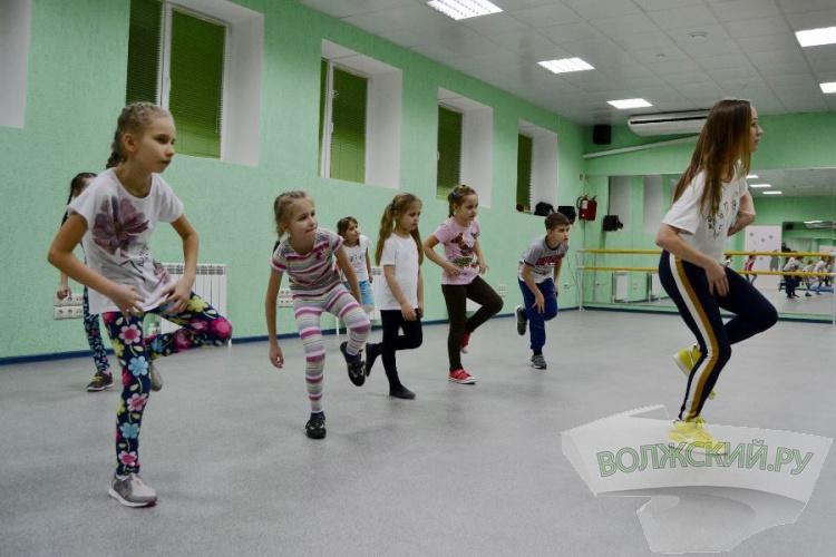 Культурно-досуговый центр «ЭМИ»: с танцем по жизни!