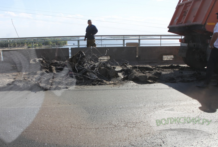 На Волжской ГЭС начался аварийный ремонт дороги
