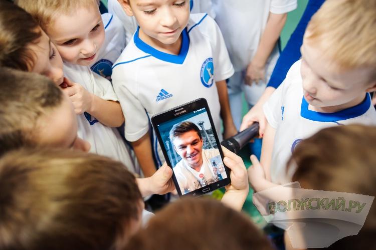 Надежды волгоградского футбола получили планшеты от МегаФона