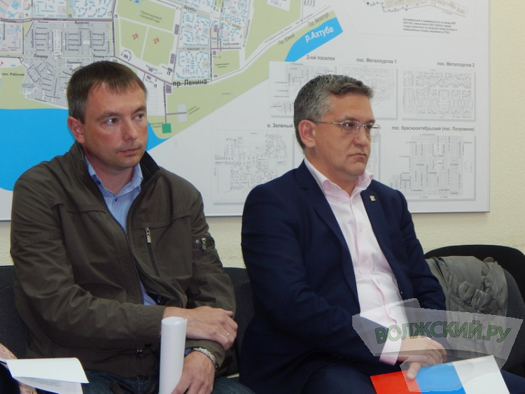 Волжские депутаты пожалуются Дмитрию Медведеву на горевший полигон