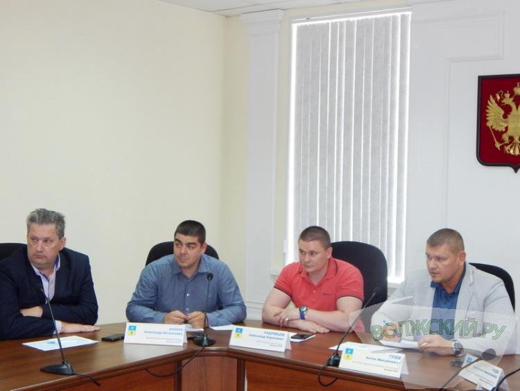 Школа по футболу официально «вернулась» в Волжский