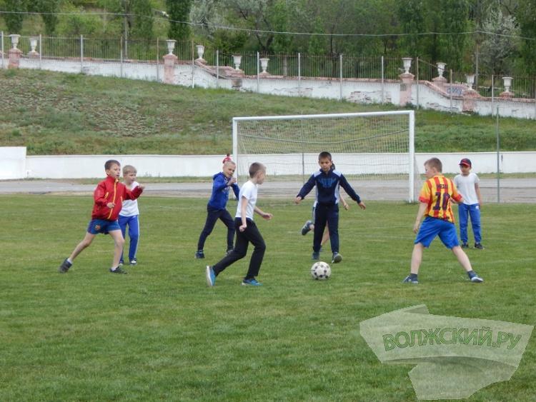 Суперкубок по футболу собрал в Волжском около 1000 юных спортсменов