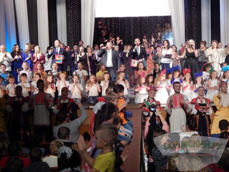 ЦКиИ «Октябрь» отпраздновал свое 40-летие
