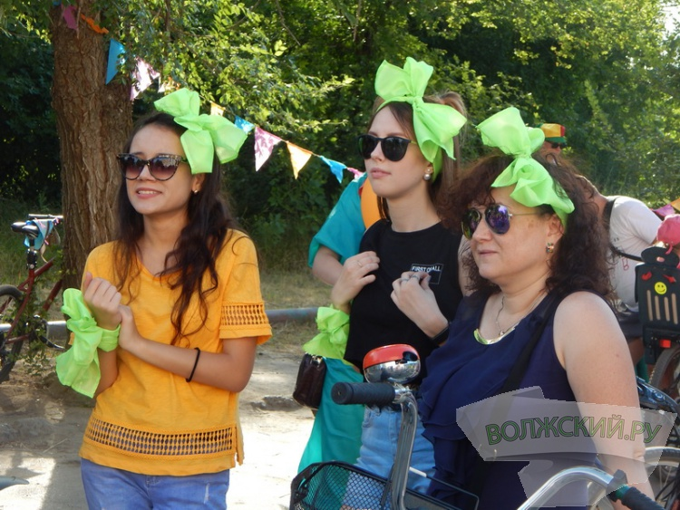 Уличный карнавал превратил Волжский в красочный «Рио»