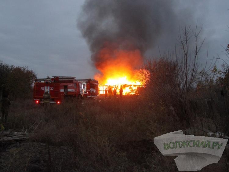 В поселке Деревянный сгорел дом