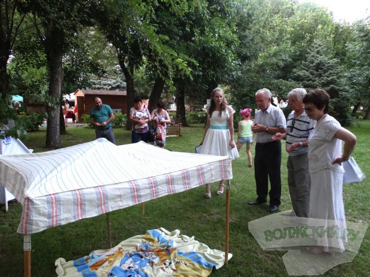 В старом парке Волжского отметили праздник «непослушания»