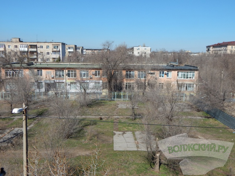 В центре Волжского появилась «полоса отчуждения»?