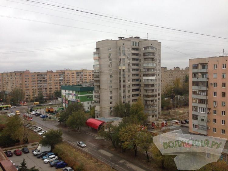 В Волжском горела многоэтажка: погибла женщина