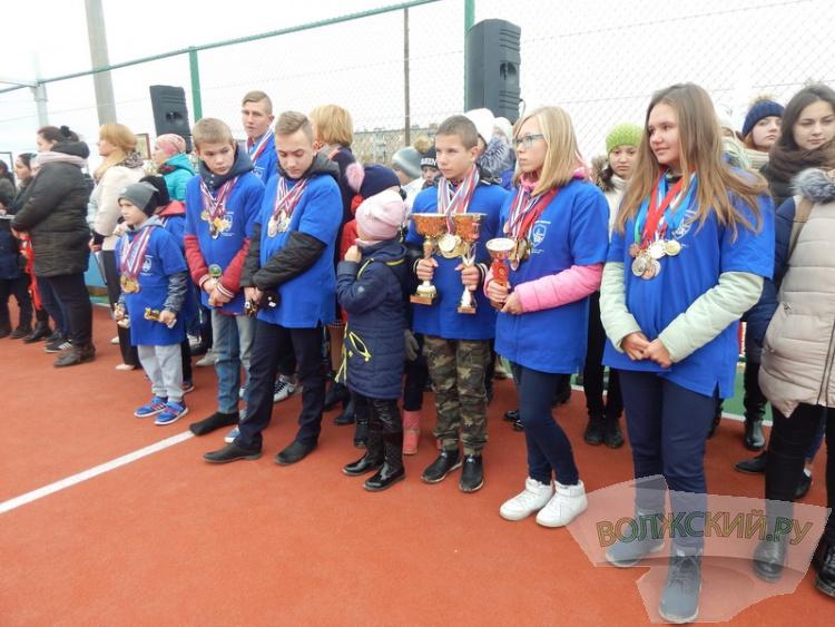 В Волжском открыть площадку Исинбаевой помог молебен