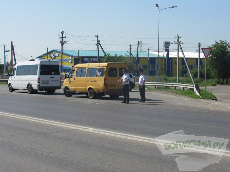 В Волжском прошла тотальная проверка маршруток
