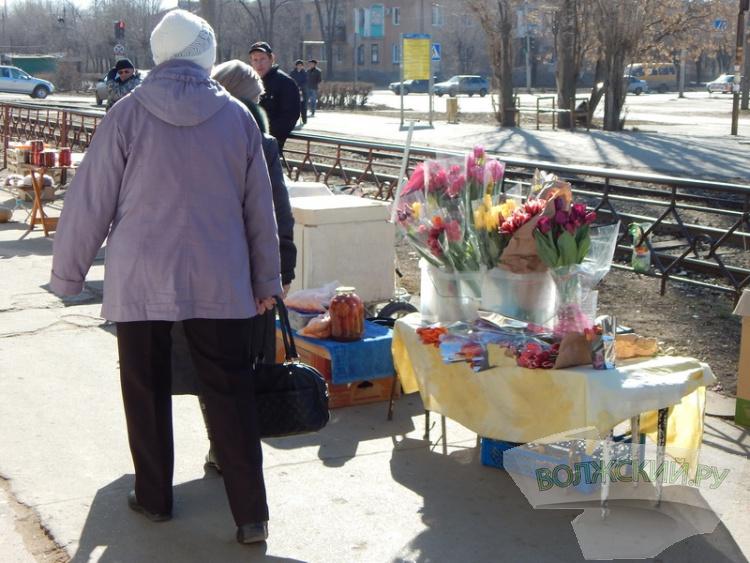 В Волжском «расцвела» незаконная торговля цветами