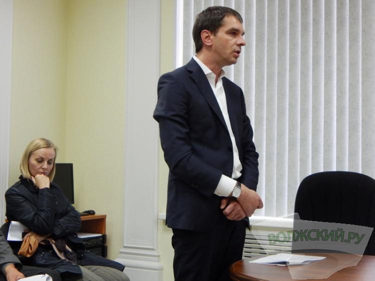 Власти Волжского требуют ужесточить штрафы для уличных торговцев