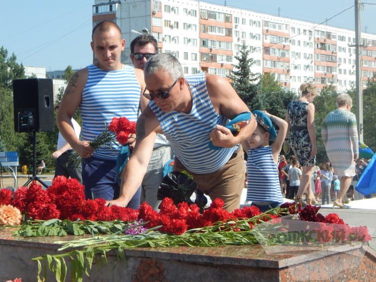 Волжская десантура отмечает День ВДВ