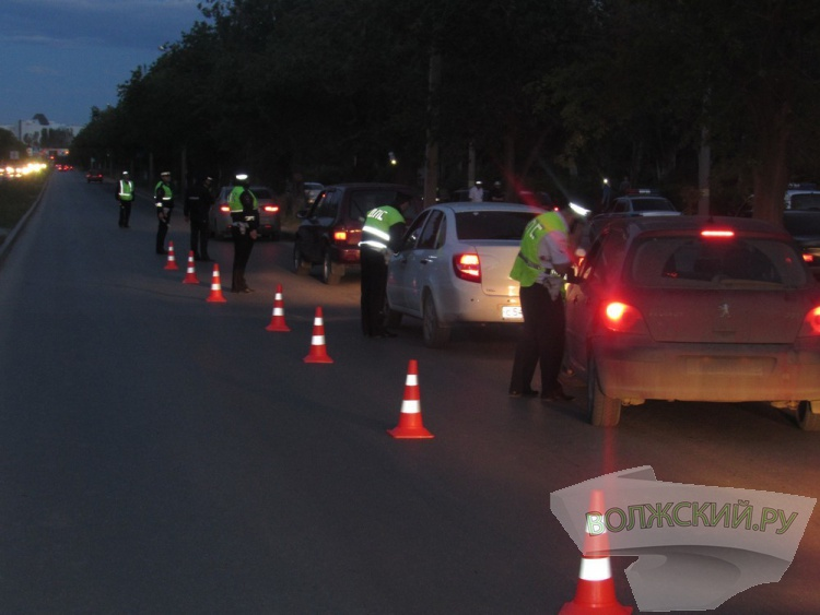Волжские автоинспекторы устроили водителям тотальную проверку