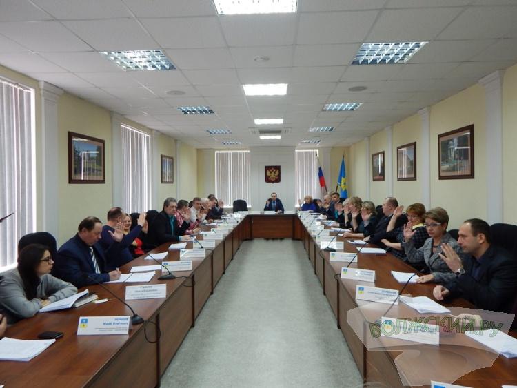 Волжские депутаты не будут вносить законопроекты до середины лета