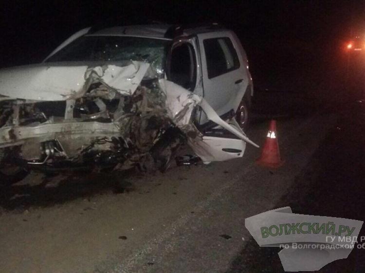 Лобовое ДТП натрассе под Волгоградом: погибла шофёр Рено