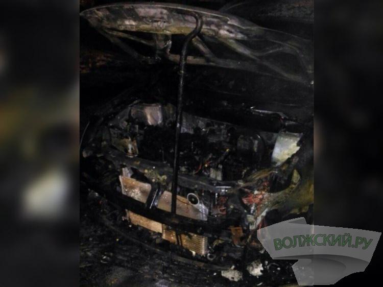 Ночью дотла сгорел Ниссан Qashqai жителя Волжского