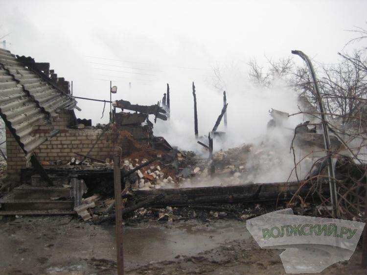 Напожаре вВолжском пострадал мужчина