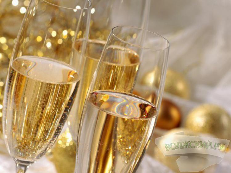 Шампанское иигристые вина подорожают кНовому году
