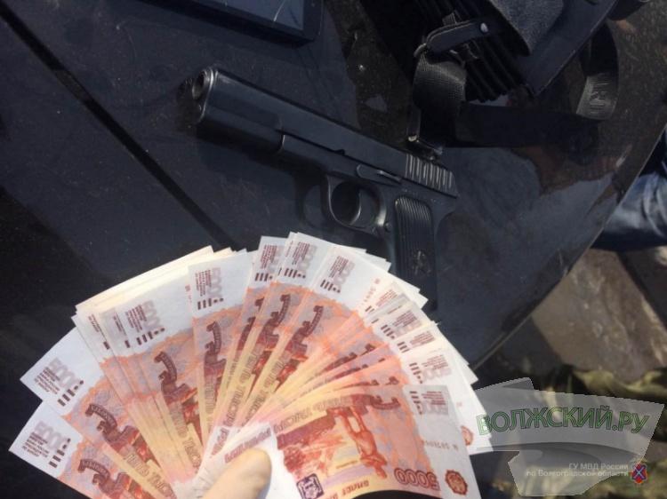 ВВолгоградской области задержали семерых фальшивомонетчиков