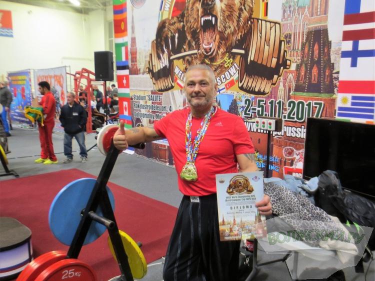 Дагестанец взял золото вчемпионате мира попауэрлифтингу в столице