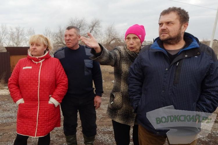 Жители Зеленого просят у власти дорожек и переходов