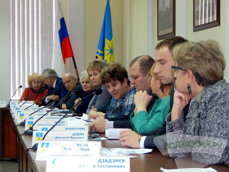 Молодые «депутаты» вызвали «горячую дискуссию» в гордуме
