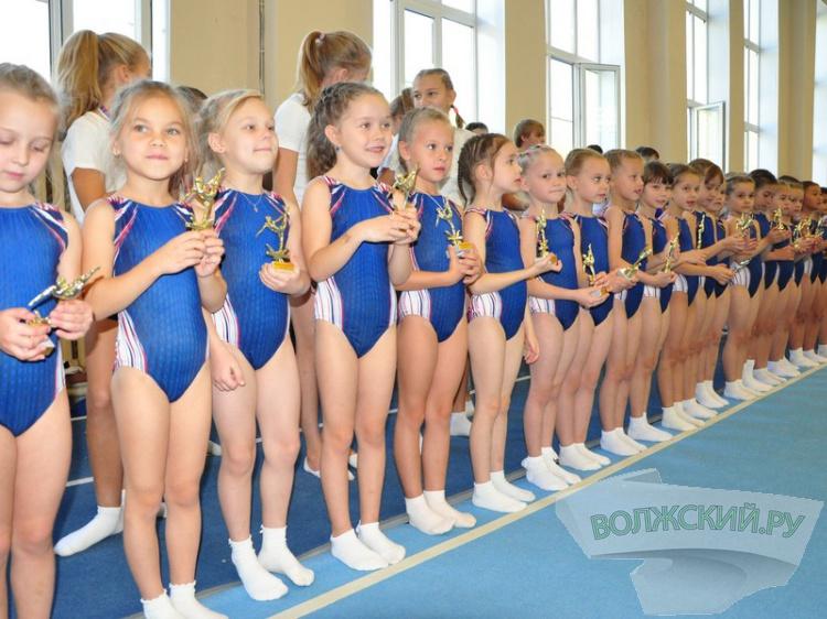 В Волжском прошло посвящение юных гимнастов 95.153.133.108