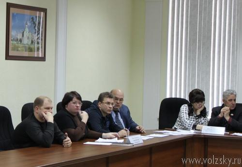 Депутаты рассмотрели правки в устав, предложенные волжанами