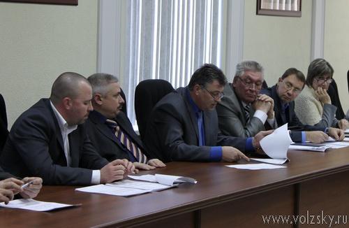 В четверг депутаты разбирались с «13-й квитанцией»