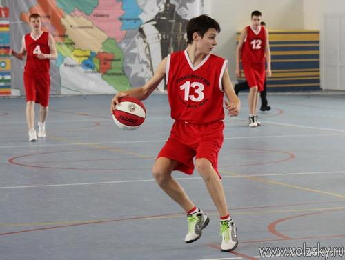 В Волжском проходит турнир Локобаскет
