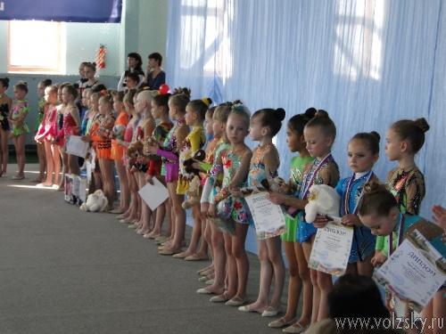 В Волжском прошло открытое первенство по художественной гимнастике