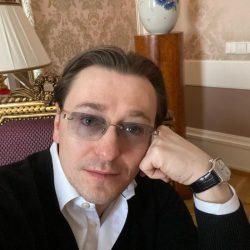 Сергей Безруков рассказал о сердечном приступе и долге за ипотеку