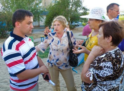 Кравцов Виктор: Установка урн в 23 мкр.